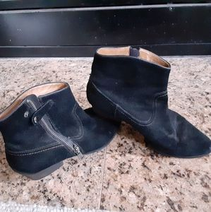 Söfft black suede ankle boots